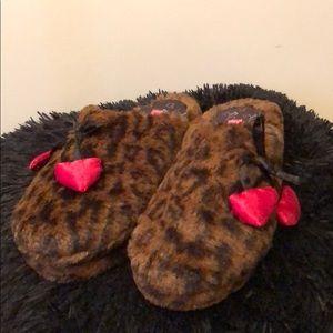 Betsey Johnson-cheetah slippers